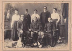 The Weir family - 1915
